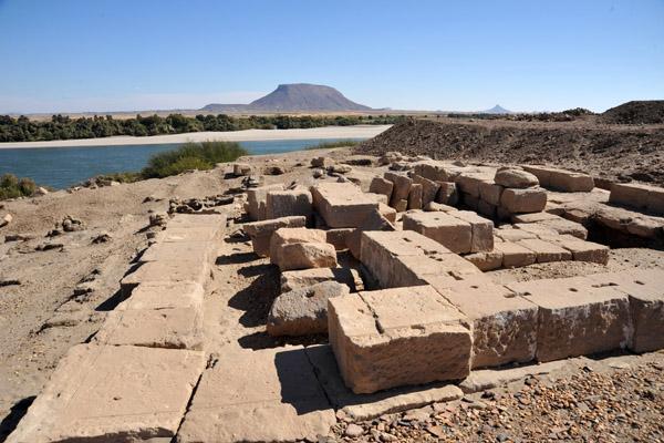 temple pharaonique île de Sai