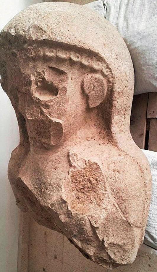statue-femme-néo-hittite-tell-tayinat