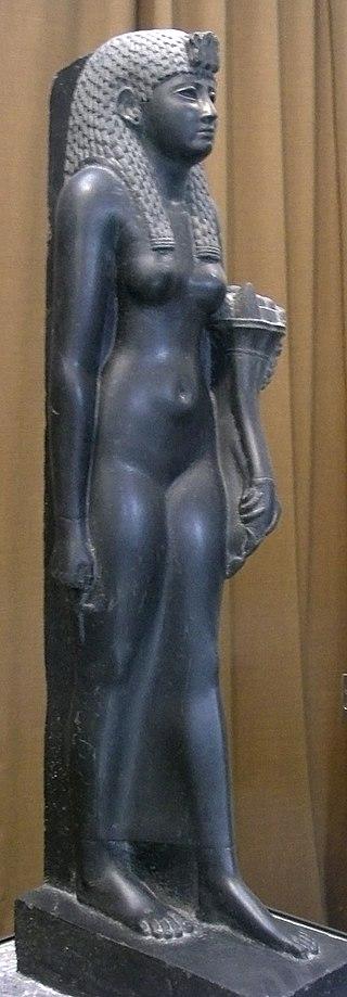 Statue Cléoâtre en déesse égyptienne