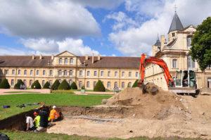 fouilles archéologique abbaye Cluny