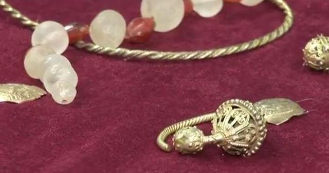 Important trésor médiéval en or retrouvé par la police en Bulgarie