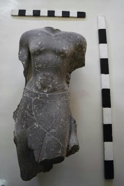 statue-royale-bouto-basse-egypte