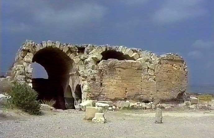 La citerne et les bains d'Ayatekla, fin Ve ou début du VIe siècle.